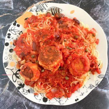tuna balls in tomato sauce